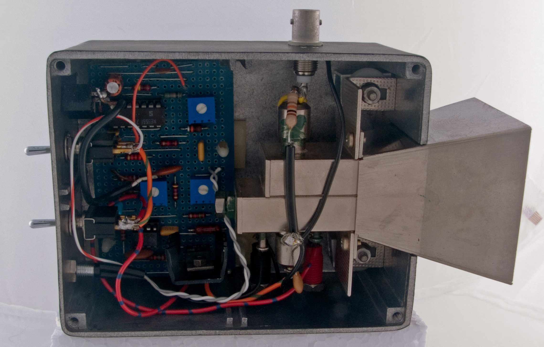 10.1 GHz Personal Beacon @ The Microwave Museum